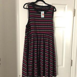Super cute skater-style dress!  Torrid size 2 NWT